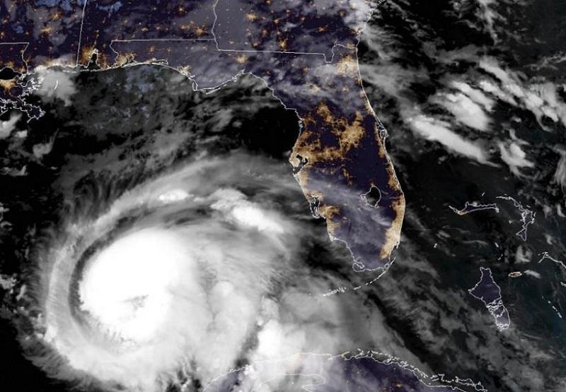 Se prepara noreste de la Florida para impacto del huracán Michael