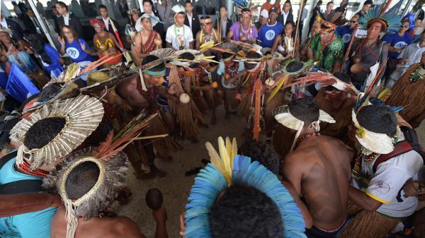 Adopta Bolsonaro medida favorable al poderoso sector del agronegocio en Brasil