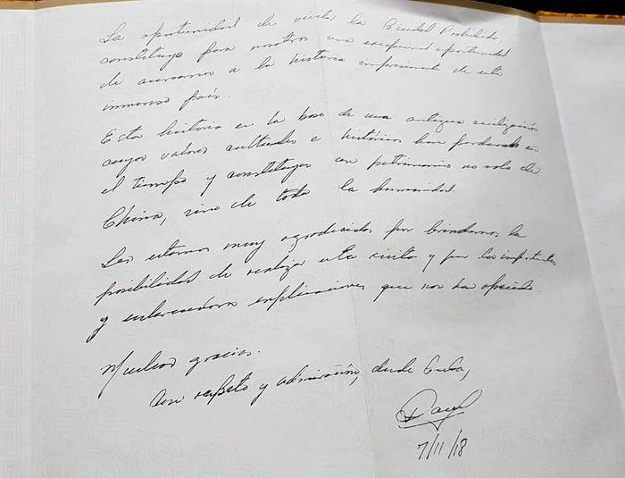 Díaz-Canel firmó el Libro de Honor del Museo del Palacio