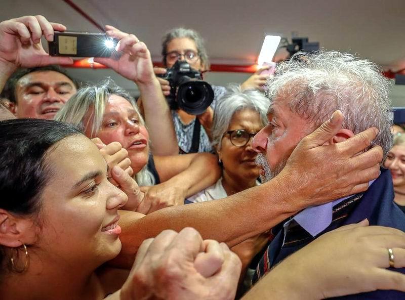 Lula da Silva cataloga de absurda la decisión en su contra