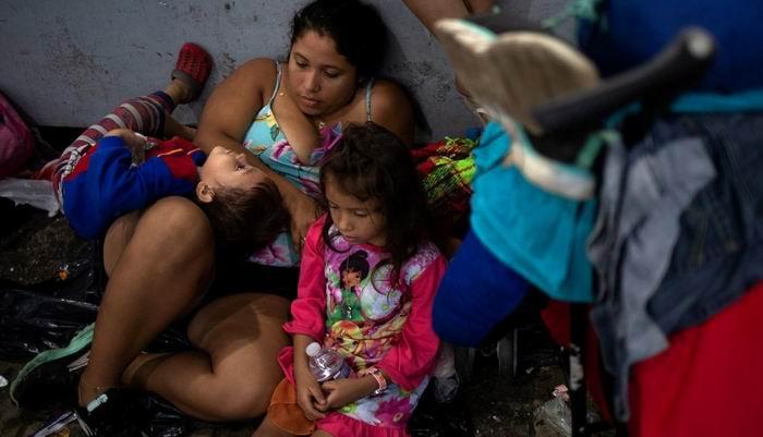 Más de 7 000 migrantes en caravana hacia Estados Unidos