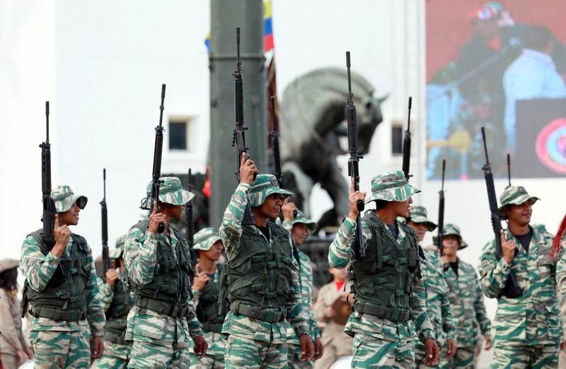 Llama Nicolás Maduro a la unidad de las fuerzas armadas