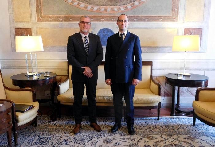 El Secretario de Estado para Asuntos Exteriores y Políticos de la República de San Marino, Nicola Renzi, recibió al Embajador designado de Cuba en este país, José Carlos Rodríguez Ruiz