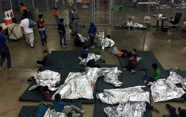 Tribunal de EEUU ordena que se reúnan familias de inmigrantes