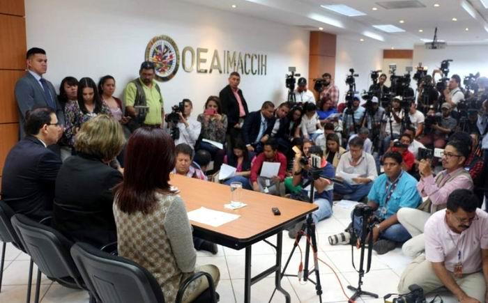 Involucran a Luis Almagro en un escándalo de corrupción de la OEA