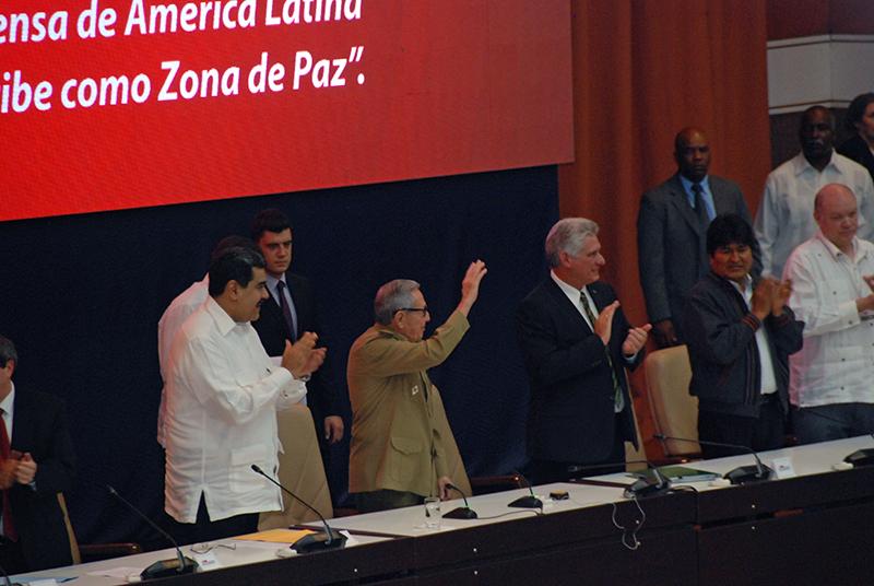 """Nicolás Maduro: """"El ALBA sigue de pie, vivita y coleando"""""""