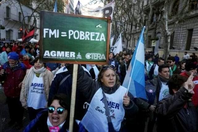 Paralizarán este lunes los sindicatos a la Argentina
