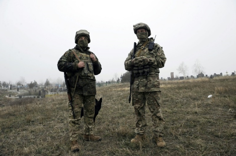 Soldados rusos en frontera con Ucrania