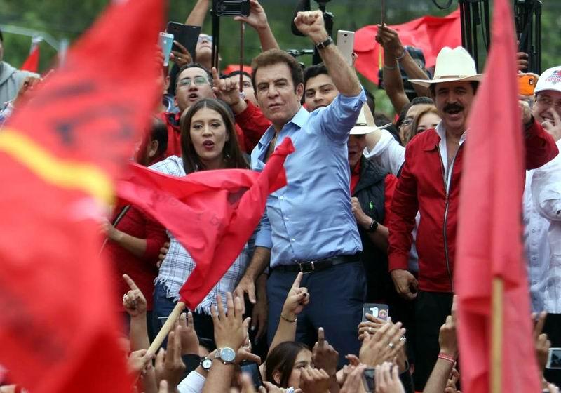 Pide Salvador Nasralla a entes internacionales a reconocer su victoria