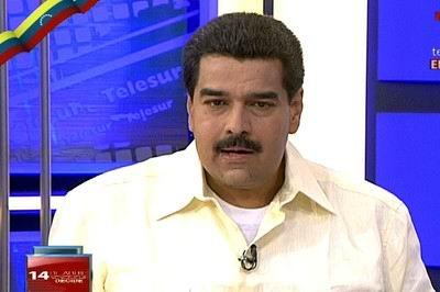 """Durante una entrevista especial concedida a teleSUR, Maduro señaló que """"no nos podemos dar el lujo de detenernos en estos momentos. Los opositores quisieran que el pueblo se escondiera bajo el luto""""."""