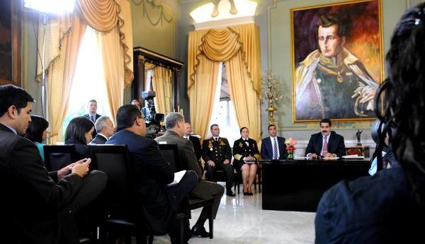 Denuncia Nicol�s Maduro embestida contra la paz en Venezuela