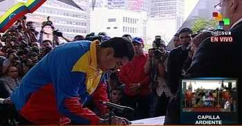Nicolás Maduro oficializa su candidatura presidencial. Foto Telesur