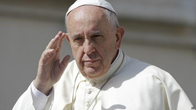 Papa Francisco expresa pesar por la muerte de Fidel Castro