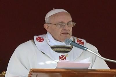 Aboga Papa Francisco por la paz entre los pueblos
