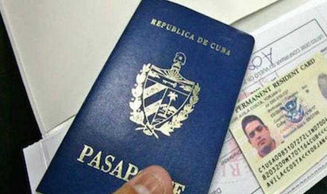 Alertan sobre riesgos de obtener visas y residencias por vías no oficiales
