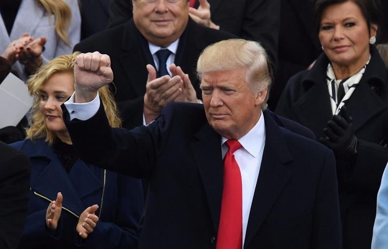 Inaugura Donald Trump su presidencia