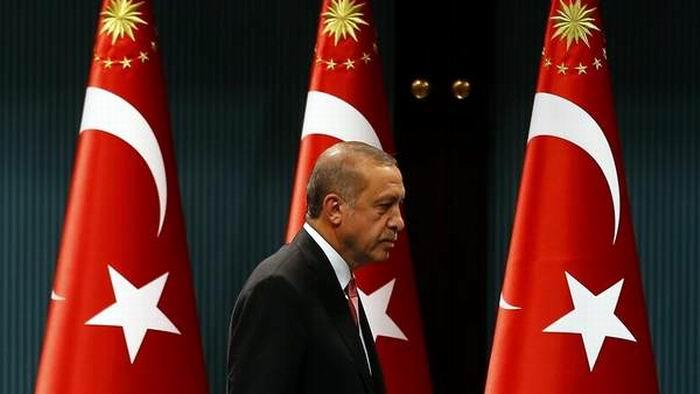 Presidente turco anunci� el Estado de excepci�n por tres meses