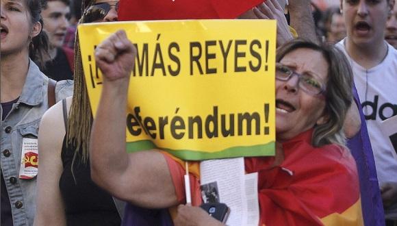Reclaman proceso constituyente para sustituir la monarqu�a en Espa�a