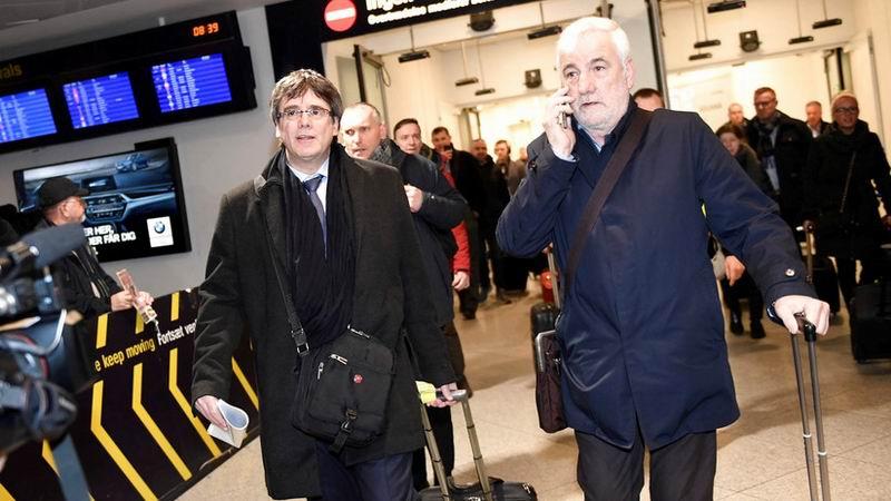 Fiscalía española solicita la activación de la euro orden contra Puigdemont