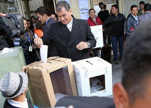 Rafael Correa: El destino de la Patria está en sus manos