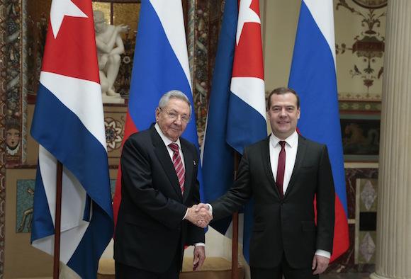 Se reunieron Ra�l Castro y Dmitri Medv�dev en Mosc� (+Audio)