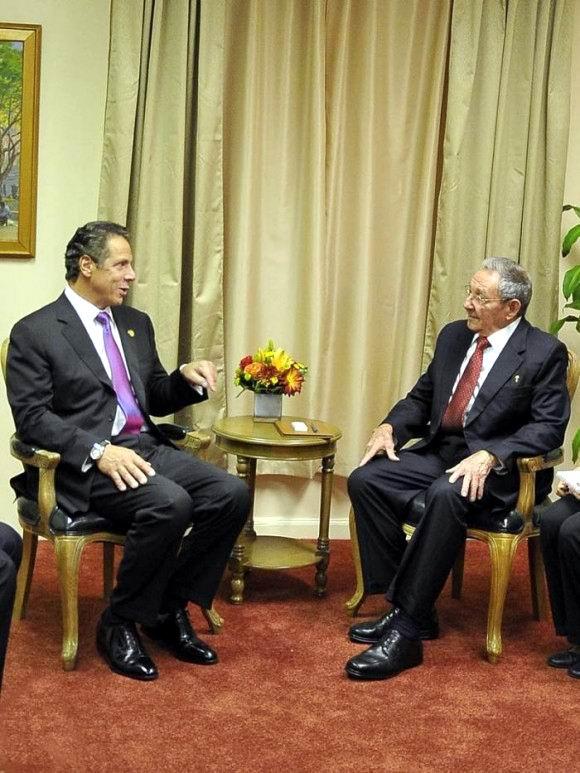 Raúl se reunió en la Sede de la Misión Cubana ante la ONU con el gobernador del Estado de Nueva York, Andrew Cuomo. Foto: Estudios Revolución
