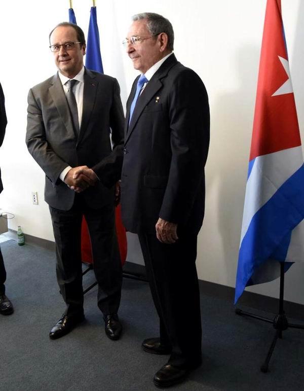 El Presidente cubano se entrevistó también con el mandatario francés Francois Hollande. Foto: Estudios Revolución