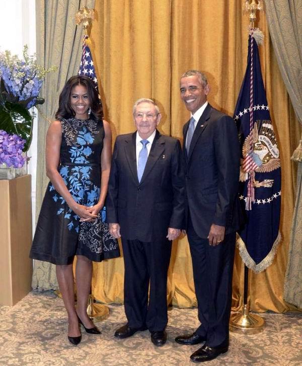Raúl Castro saludó a Barack Obama y a su esposa durante la recepción que el Presidente estadounidense ofreció a los jefes de Estado y de Gobierno que participan en los eventos convocados por la ONU. Foto: Estudios Revolución