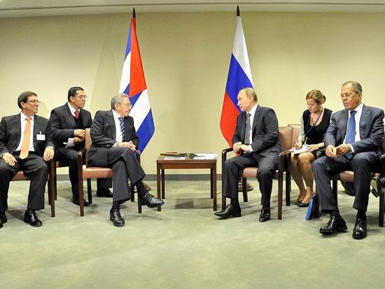 El Presidente cubano se reunió con su homólogo ruso Vladimir Putin.Autor: Estudios Revolución