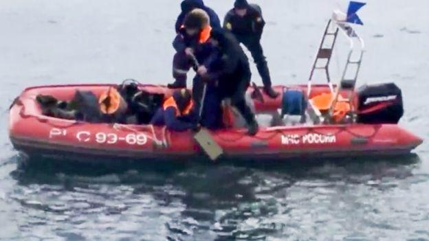 Aparece primera caja negra de avión ruso caído al Mar Negro
