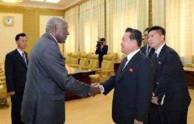 Vicepresidentes de Cuba y la RPDC conversan sobre temas afines