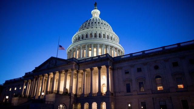 Senado debate propuesta para derogar emergencia nacional de Trump