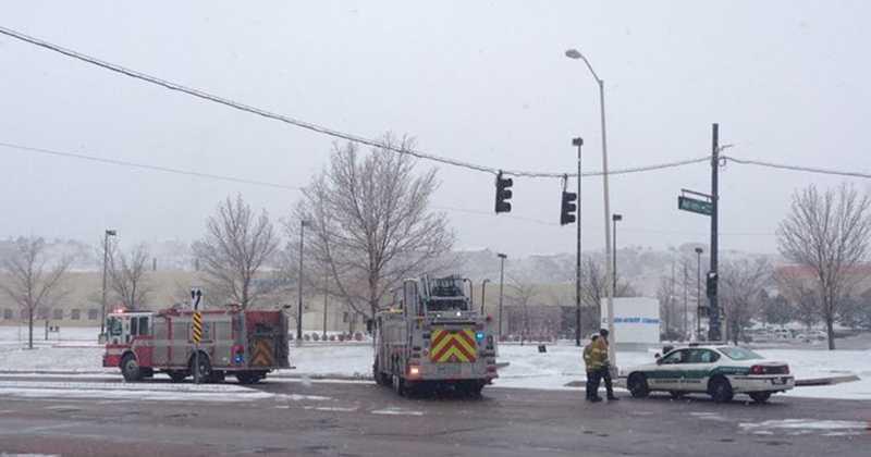 Causa tiroteo en Colorados, tres polic�as y varios civiles heridos