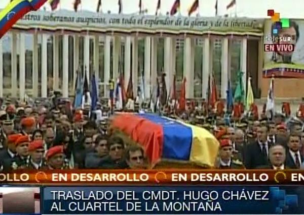 Cuerpo el Presidente de Venezuela, Hugo Chávez Frís durante el traslado de la Academia Militar al Cuartel de la Montaña. Foto Telesur