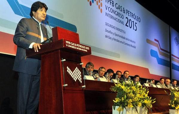 Con la llegada del presidente, Evo Morales, arrancó el V Congreso Internacional YPFB Gas Petróleo.