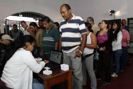 Reportan masiva participación desde horas tempranas en elecciones en Venezuela. Foto: AVN.