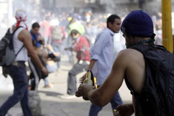 Acusan en Venezuela a la oposición de promover actos vandálicos
