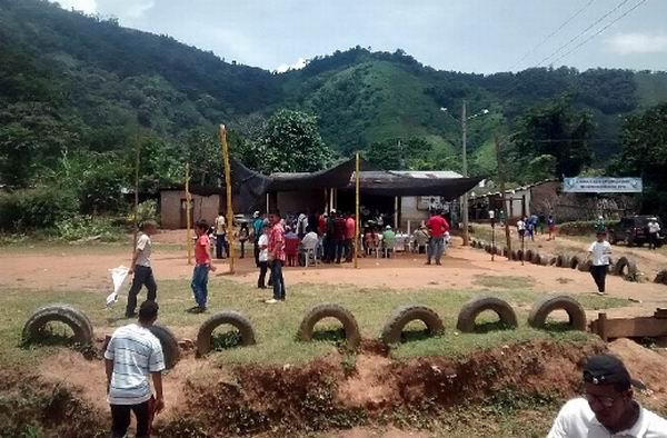 FARC-EP ofrecen adecuar zonas veredales como parte del acuerdo