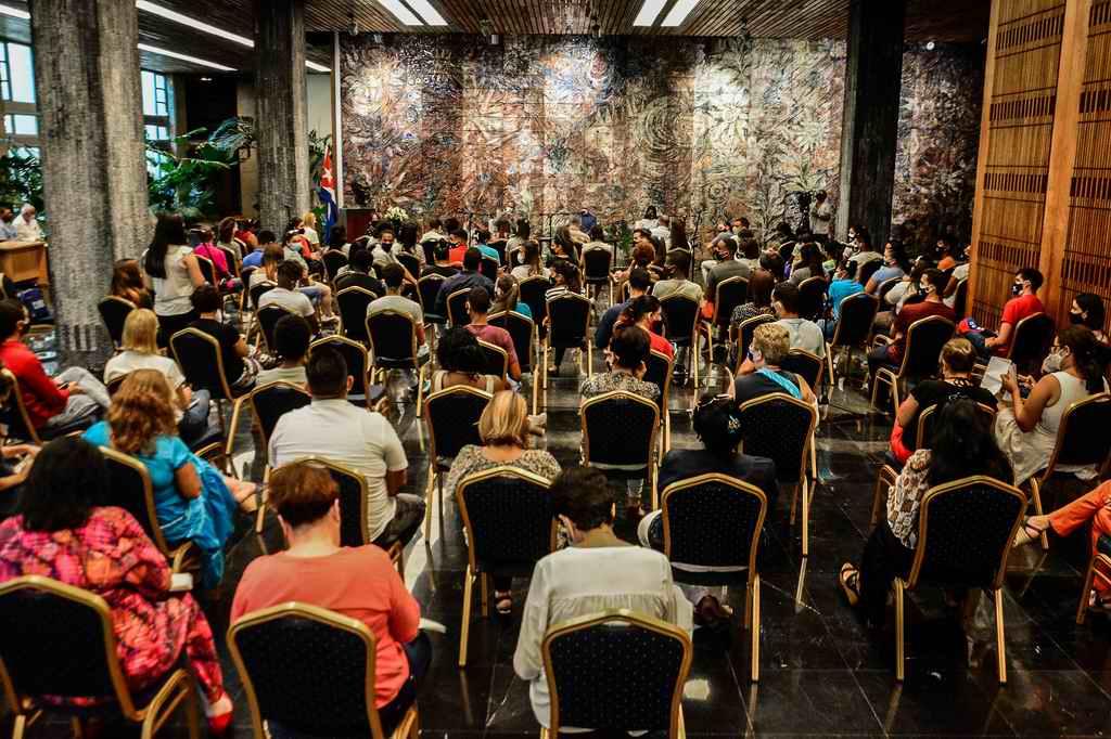 Díaz-Canel: ustedes serán buenos profesores, excelentes educadores y revolucionarios (+Audio)