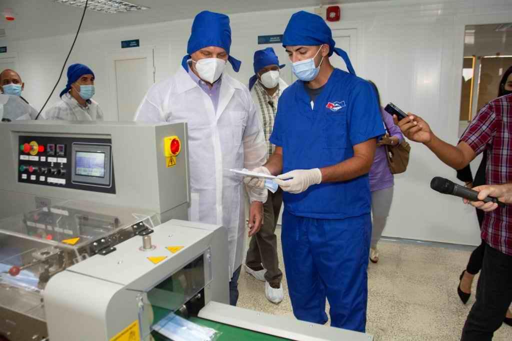 Visita Díaz-Canel laboratorios AICA y Planta de Insumos Médicos del Centro de Neurociencias (+Audio)