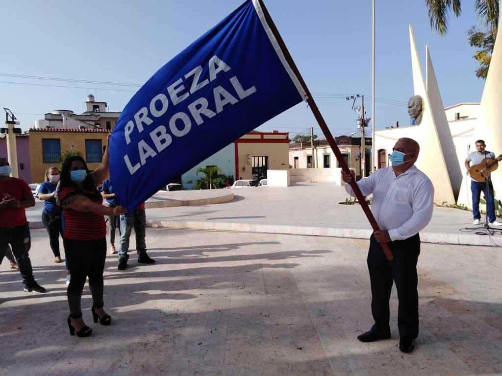 Proeza Laboral para los transportistas y Vanguardia Nacional para EMCOMED (+Audio)
