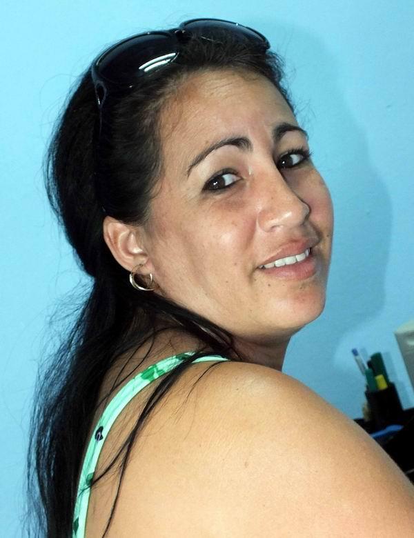 Rosa María Domínguez, Asistente de Programas