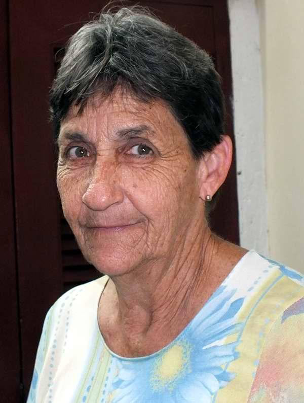 Vivien Vázquez, Asistente de Programas