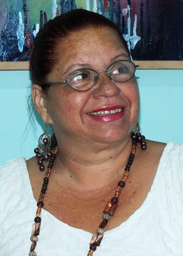 Adelaida Oñate Pérez, Comunicador Cultural