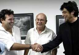 Benicio de Toro Receives Award from Cuban Artists and Writers