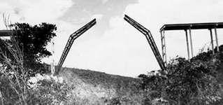 Construcción puente de Bacunayagua