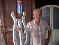 Francisco, el rápido de los caramelos en Holguín