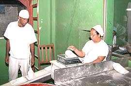 """lacteos la esmeralda Calle 120 la esmeralda nº 17d-198 municipio maracaibo del edo  e) entrega de la carga""""lacteos y charcuteria el brillante."""